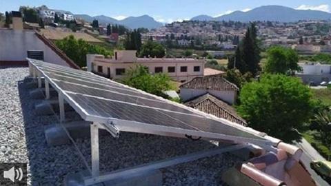 Andalucía se presenta como una de las regiones de Europa con mejores condiciones para la producción de energía solar debido al alto porcentaje de días de sol anuales