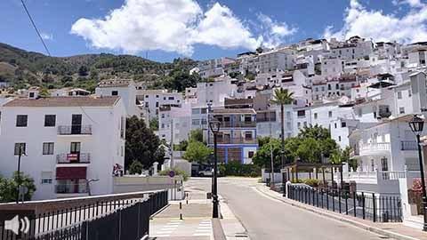 Tolox, en Málaga, presenta su campaña turística para formentar el agroturismo en pleno Parque Nacional Sierra de las Nieves