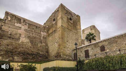 Castro del Río celebra la XX Muestra de Teatro teniendo como escenario el Patio de Armas del castillo