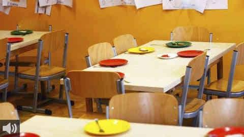 Los impagos de la Agencia Pública de Educación comprometen el servicio de comedor para el próximo curso en varios centros públicos andaluces