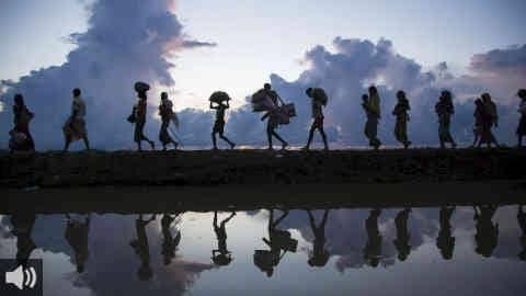 En 'Mundo Finito – No queremos vivir en Marte', hablamos sobre migraciones con el Colectivo Andalucía Sudaka y con la Plataforma Somos Migrantes
