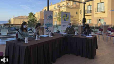 'Andalucía, De Este a Oeste' nos lleva a recorrer la fisionomía de Punta Umbría entre sus calles y su ría de la mano de su alcaldesa y de la Delegada Provincial de Turismo den Huelva