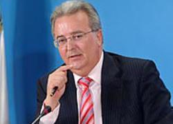 El ex consejero de Empleo, Antonio Fernández, asegura que la agencia IDEA avaló el sistema de ayudas a expedientes de regulación de empleo
