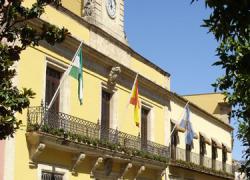 Los trabajadores municipales de Jerez bloquean los accesos al ayuntamiento