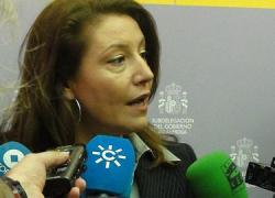 La delegada del Gobierno en Andalucía y los líderes sindicales analizan los servicios mínimos para la huelga general