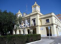 Comienza la huelga de una semana en todos los servicios municipales de Barbate