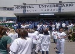 Los profesionales sanitarios andaluces protestan por los recortes y el aumento de su jornada laboral
