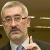 El consejero de Empleo, Antonio Ávila, acusa al Gobierno central de imponer recortes sin dejar espacio para la negociación