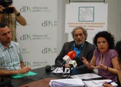 APDHA entrega al Defensor del Pueblo Andaluz las quejas de personas reclusas sin asistencia letrada
