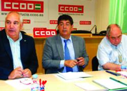 CCOO y UGT piden apoyo e implicación al Vicepresidente, Diego Valderas, frente a los recortes de el Gobierno central y la Junta de Andalucía