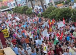 Cerca de 400 mil personas se manifiestan en Andalucía contra los últimos recortes aprobados por el Gobierno central