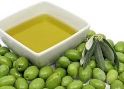 La Federación Andaluza de Empresas Cooperativas Agrarias alerta de la bajada de la cosecha de aceite de oliva