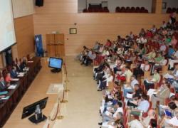 La Junta de Andalucía suprime 700 licencias de formación e investigación para profesores