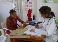 La Asociación en Defensa de la Sanidad Pública rechaza el cobro de la atención médica a personas inmigrantes