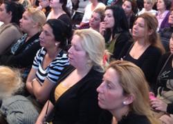 El colectivo de mujeres gitanas da un paso más en su lucha por la igualdad y cuatro de cada cinco gitanos en la universidad son mujeres