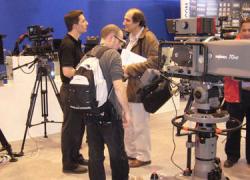 El Parlamento de Andalucía y el Consejo Audiovisual apuestan por más control en las televisiones municipales para garantizar el pluralismo político