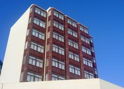 Los empleados y empleadas de las residencias andaluzas de tiempo libre protestan por el cierre anticipado de las instalaciones por parte de la Junta de Andalucía