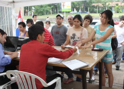 El actual presidente paraguayo, Federico Franco, anuncia que va a impedir la candidatura del derrocado, Fernando Lugo, para los comicios presidenciales de abril de 2013