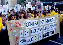 Los abogados andaluces se concentran en las sedes judiciales para mostrar su rechazo al Proyecto de Ley de Tasas impulsado por el Ministerio de Justicia