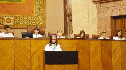 El Parlamento de Andalucía celebra el IV Pleno Infantil de Unicef para defender la atención a la infancia como prioridad social y evitar las injusticias en el mundo