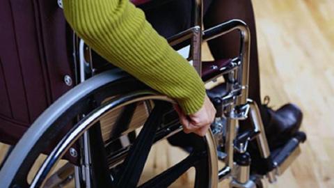 El colectivo de personas con discapacidad celebra su Día Internacional con una macromanifestación para denunciar los recortes aplicados por las Administraciones Públicas