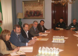 La Junta de Andalucía comprueba sobre el terreno los trabajos realizados por la empresa que investiga el subsuelo de la localidad jiennese de Torreperogil