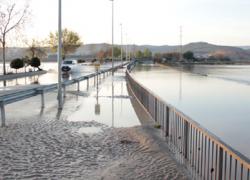 La localidad granadina de Huétor Tájar pide por escrito a la Diputación provincial que arregle la carretera que se inundó hace dos semanas