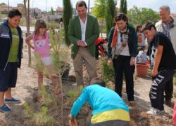 El Ayuntamiento granadino de Maracena organiza una actividad con los escolares de la localidad para tomar contacto y conciencia del entorno