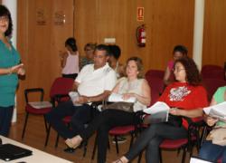 Un ciclo de charlas ofrece a las familias de San Juan de Aznalfarache herramientas para educar a sus hijos e hijas