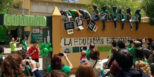 Los interinos andaluces despedidos consiguen el apoyo de la Plataforma Andaluza en Defensa de la Educación Pública