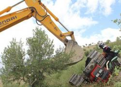 Un agricultor fallece en la localidad cordobesa de Castro del Río tras quedar atrapado bajo el tractor que conducía