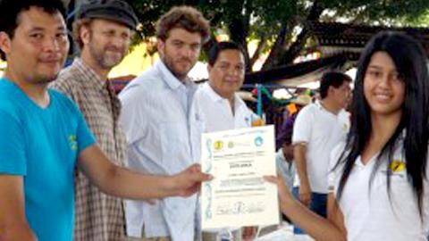 EMA-RTV y la Diputación de Granada contribuyen a la formación de una treintena de jóvenes para reducir la brecha digital en la localidad salvadoreña de Guazapa