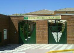 El municipio granadino de Huétor Tájar cierra hoy una cápsula del tiempo que no se abrirá hasta dentro de 50 años, en 2063.