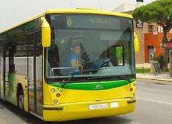"""La juventud de la localidad gaditana de Chiclana podrá moverse en transporte público de forma más económica con la tarjeta """"Bus Joven"""""""