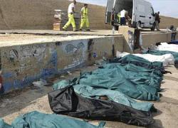 Conmoción En Italia por el naufragio frente a Lampedusa, en el que han muerto más de 200 personas inmigrantes en situación administrativa irregular.