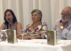 La escritora malagueña María González presenta su nueva novela «Con el corazón de Eva» en su localidad natal de Coin