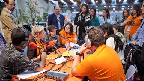 La emisora comunitaria de la ciudad de Málaga, Onda Color, presente en la 12ª edición del Congreso Estatal del Trabajo Social celebrado en el municipio de Marbella