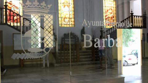 Los vecinos y vecinas de la localidad gaditana de Barbate ya pueden solicitar la subvención del 100% del Impuesto de Bienes Inmuebles