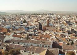 Las familias numerosas obtienen nuevas bonificaciones para hacer frente al Impuesto de Bienes Inmuebles de 2014 en la localidad malagueña de Antequera