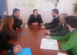 El Ayuntamiento malagueño de Manilva se compromete a ampliar durante la próxima primavera con doce aulas más el instituto de enseñanza secundaria de la localidad