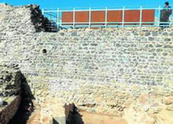 Las excavaciones arqueológicas del Castillo de Aracena abren sus puertas al público para que los lugareños y turistas conozcan el pasado del municipio a través de visitas guiadas por los propios arqueólogos