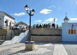 Los vecinos y vecinas del municipio onubense de Palos de la Frontera cuentan con un nuevo mirador y una nueva plaza gracias a una iniciativa del Ayuntamiento y una inversión de 125.000 euros