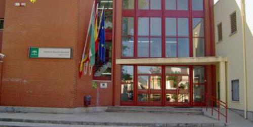 Dos centros educativos de los municipios granadinos de Santa Fe y Atarfe serán ampliados y mejorados gracias al Plan de Oportunidades Laborales en Andalucía con una inversión más de 1,6 millones de euros
