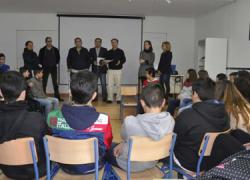 Presentada en Véjer el proyecto «ParticipAcción», una iniciativa de la diputación que insta a los jóvenes a implicarse en la sociedad y las administraciones públicas