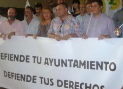 Partidos de la oposición y alcaldes cierran hoy el recurso contra la reforma local al Tribunal Constitucional