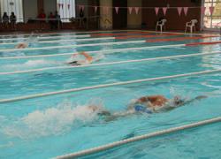 La Piscina Municipal de Huétor Tájar acoge las Jornadas de Natación Base del Circuito Provincial de Granada de Natación de Invierno con la participación de 317 nadadores no federados
