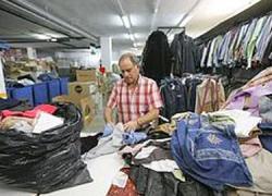 Los vecinos y vecinas de Maracena donan cerca de 41.000 kilos de ropa usada para ser reciclada con fines sociales