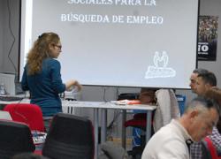 Maracena forma a sus mayores y desempleados para eliminar la brecha digital a través de cursos y talleres sobre nuevas tecnologías e internet