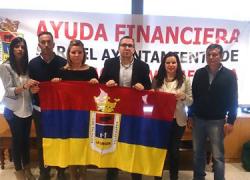 El alcalde de Los Palacios y Villafranca levantará el encierro que mantiene en la Diputación esta tarde y convoca a los vecinos a una manifestación para pedir ayuda financiera