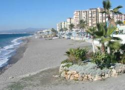 Torrox modifica la Ordenanza de Uso y Disfrute de las Playas del municipio para realizar mejoras como impedir la reserva abusiva de espacios